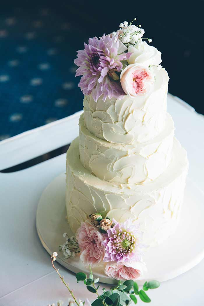 Once Upon A Cake - David Campbell Imagery - 20 Pretty Floral Wedding Cakes - Lavender Flowers Wedding Cake